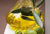 6个橄榄油美容方法 做面膜&妆前打底
