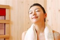 饮食油腻+室内外温差大 春节如何预防红血丝?