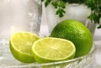 缩小毛孔还能美白 柠檬美容法知多少?
