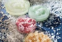 去角质+淡化雀斑 3个食盐美容法