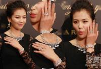 刘涛白骨爪惊悚 女星保养再好手丑是硬伤