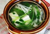 预防春季皮肤过敏 多吃金针菇豆腐汤