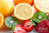 光感食物+油腻食物 小心吃出皮肤病?
