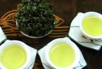 DIY绿茶祛痘面膜 茶叶茶水护肤用法