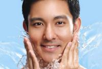 男人护肤:面部3种皱纹暗示疾病
