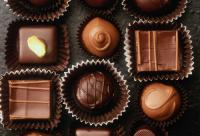 黑巧克力杏仁 盘点可增强防晒力的食品