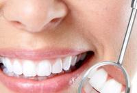 牙齿美白禁忌 4类人不宜做洗牙