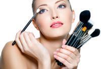油性皮肤如何应对 化妆诱发痘痘因素