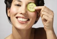 皮肤科医生教你 什么年龄该用眼霜